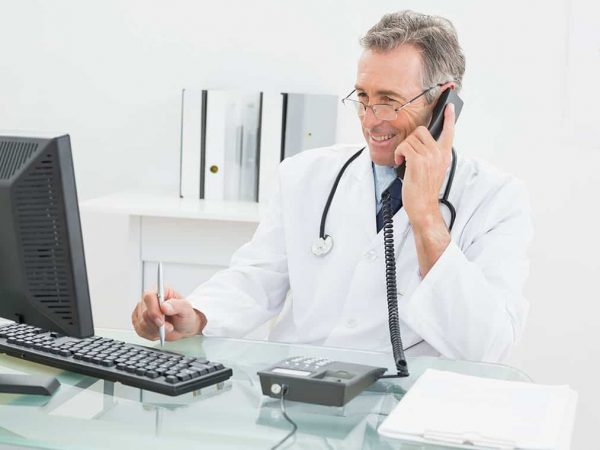 Arzt am PC